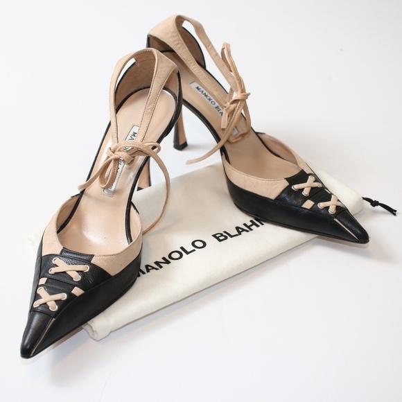 237c87ed8c0f Like New Manolo Blahnik Black   Tan Leather Heels.  M 5bda4deebb761562f0e03288